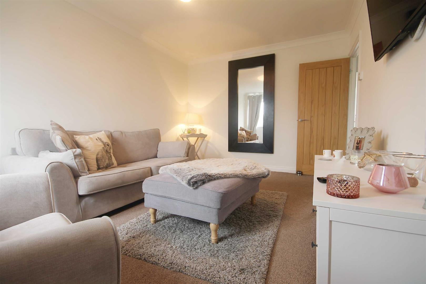 Queens Court Newcastle Upon Tyne, 3 Bedrooms  Apartment ,Sold (STC)